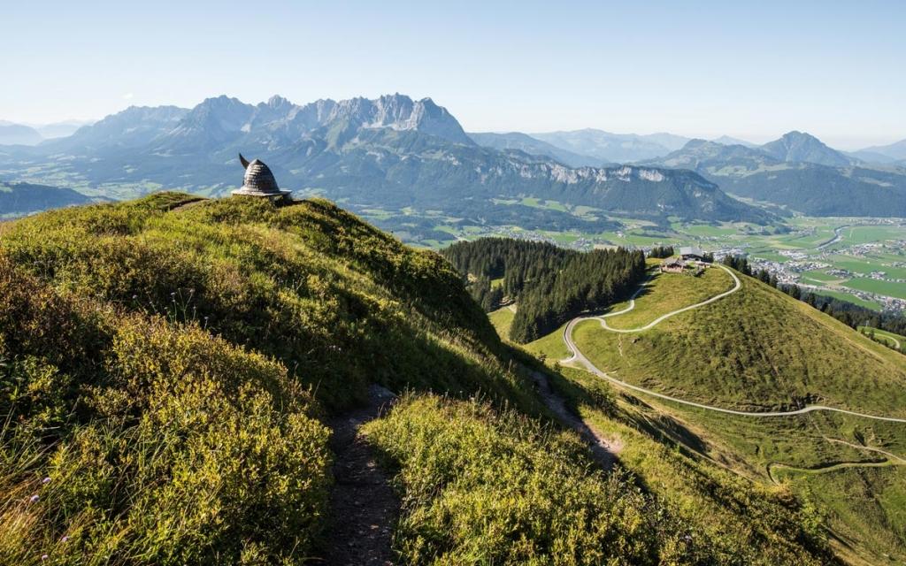 Relais Chateaux 5 Sterne Hotel Rosengarten Tirol Simon Taxacher Wandertipps Kirchberg