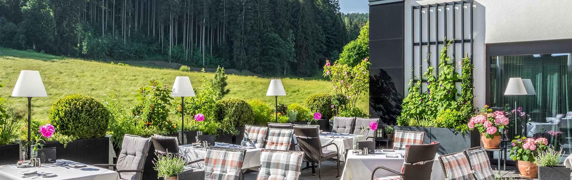 Relais Chateaux Hotel Restaurant Spa Rosengarten Kirchberg Tirol 5-Sterne Lifestyle Hotel Sommerurlaub