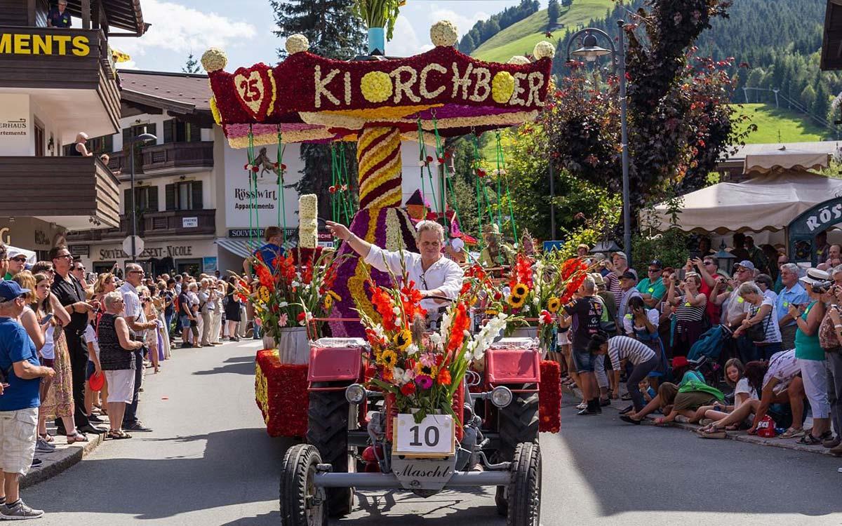 Hotel-Restaurant-Spa-Rosengarten-Relais-Chateaux-Kirchberg-Tirol-Blumencorso