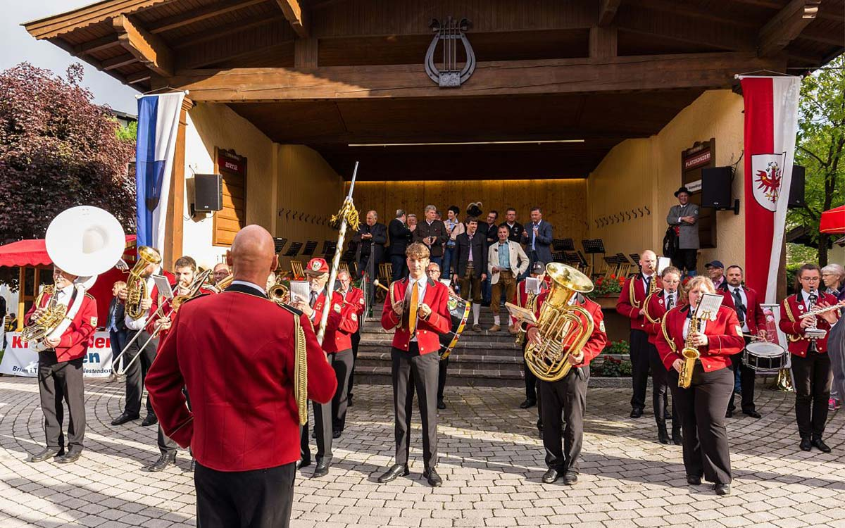 Hotel-Restaurant-Spa-Rosengarten-Relais-Chateaux-Kirchberg-Tirol-Musikkapellentreffen