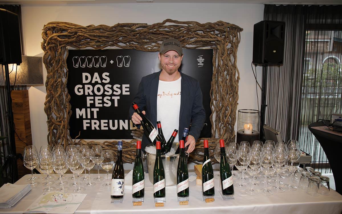 Simon Taxacher startet mit großem Fest mit Freunden in die Wintersaison 2019-2020